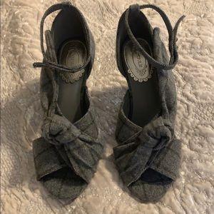 Joyfolie tartan heels size 6.5
